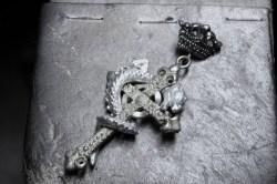 フラメルの十字架にかけられた蛇
