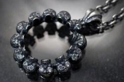 髑髏の環 石